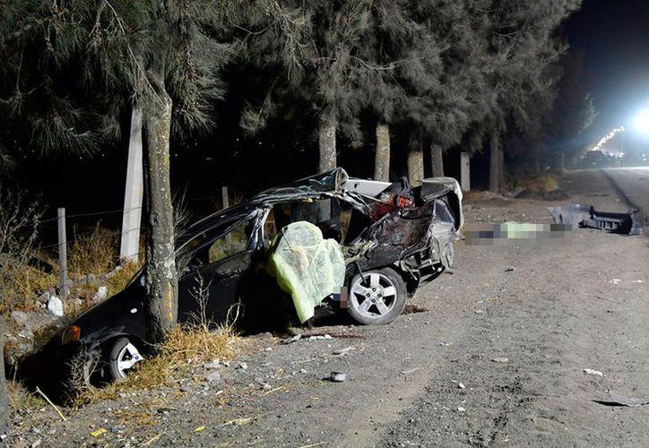 El pasado domingo 18, el niño chocó este vehículo, matando a cinco personas. (Proceso)