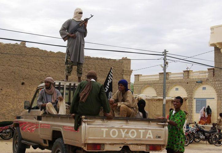 Al-Qaeda resguarda miles de litros de combustible en caso de intervención extranjera. (Agencias)