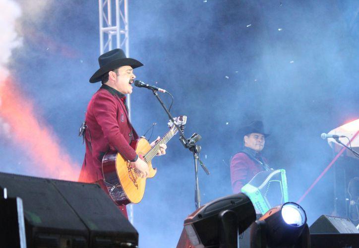 Los Tucanes de Tijuana cantaron sus éxitos en el cierre del Carnaval de Playa del Carmen. (Foto: Daniel Pacheco)