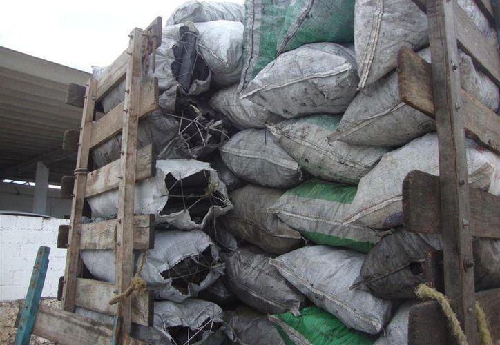 El cargamento de carbón incautado tenía como destino vendedores de Kanasín. (SIPSE)