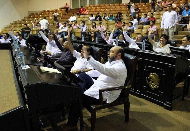 Los diputado aprobaron por unanimidad la Ley para la Protección de los Derechos de las Personas Adultas Mayores del Estado de Yucatán. (SIPSE)