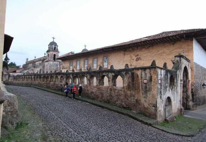 Pátzcuaro, uno de los ocho pueblos mágicos con los que cuenta el estado de Michoacán, es también un buen lugar para realizar ecoturismo. (Archivo/ Notimex)