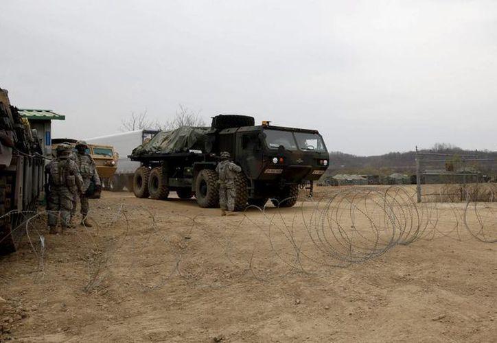 En la última década, uno de los mayores problemas del Ejército estadounidense en los conflictos de Irak y Afganistán ha sido la vulnerabilidad de los Humvee contra explosivos de fabricación casera y minas terrestres. (Archivo/EFE)