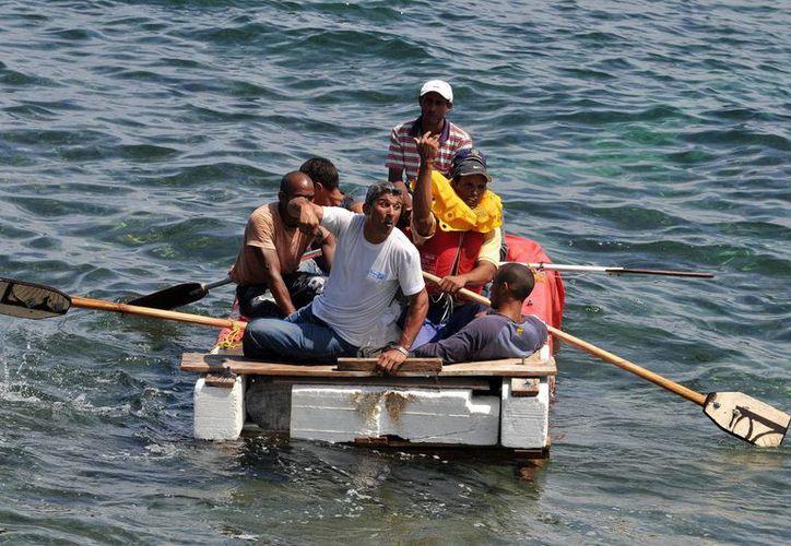 Los balseros partieron de Cuba el pasado 23 de febrero; fueron rescatados por un carguero en alta mar. (EFE/Archivo)