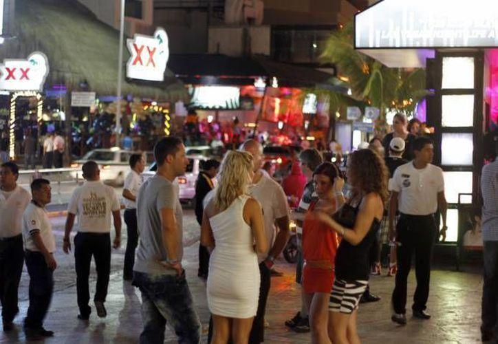 Zona de discotecas de Punta Cancún, en el kilómetro 9.5 de la avenida Kukulcán. (Contexto/SIPSE)