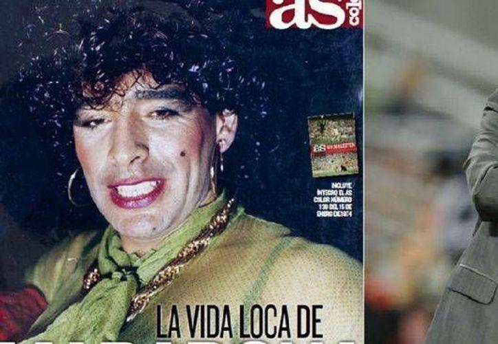 """Diego Armando Maradona en la portada de la revista """"As color"""", vestido de mujer. (elesquiu.com)"""