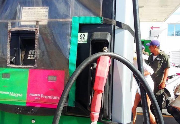 La liberación de los precios de las gasolinas a nivel nacional se implementará en Quintana Roo hasta el último bimestre del presente 2017. (Daniel Pacheco/ SIPSE)