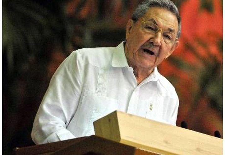 Una de las medidas que piden a las empresas cubanas demanda pagos a la isla y altos salarios a los obreros. (Agencias)