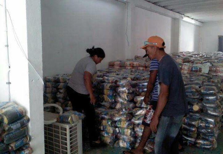 Los empleos temporales por fin de año ayudarán a reactivar el empleo en Yucatán, con sueldos de has 5 mil pesos al mes más propinas. (SIPSE)