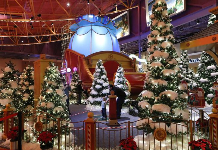 Esta foto del 21 de noviembre del 2016 muestra la Santa's Flight Academy en Great Lakes Crossing Outlets ien Auburn Hills, Michigan. (AP/Paul Sancya)