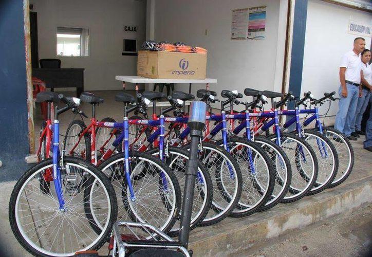 Las bicicletas donadas servirán para reforzar el patrullaje que se realiza en el municipio. (Redacción/SIPSE)