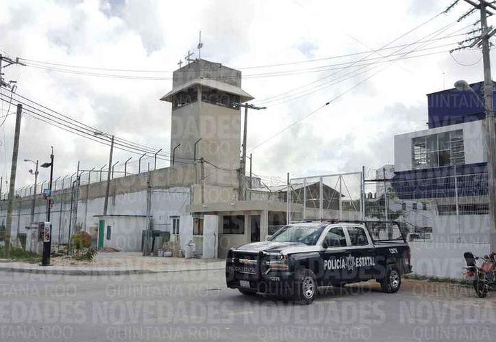 El acto protocolario de toma de mando se realizó en las instalaciones de penal.  (Redacción/SIPSE)