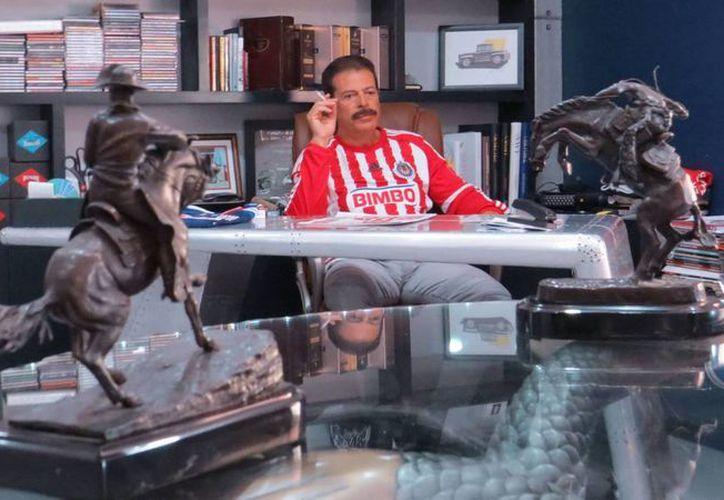 Tras 40 años de laborar en Televisa, el actor Sergio Goyri buscará un nuevo camino fuera de esta empresa. (Facebook/ Sergio Goyri)