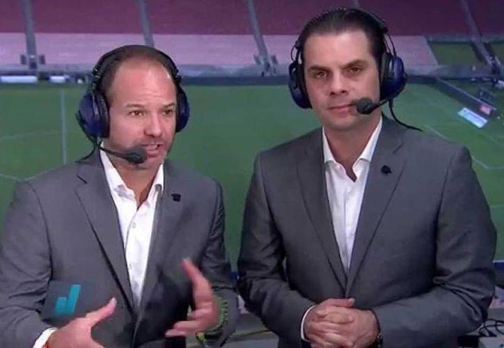 La transmisión del duelo América vs Chivas comenzará en punto de las 20:45 horas, con los comentarios iniciales del grupo de narradores de la televisora.(Captura de pantalla de TV Azteca)