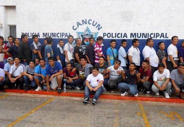 Los 39 detenidos fueron puestos a disposición de la dirección de Seguridad Pública municipal. (Twitter)