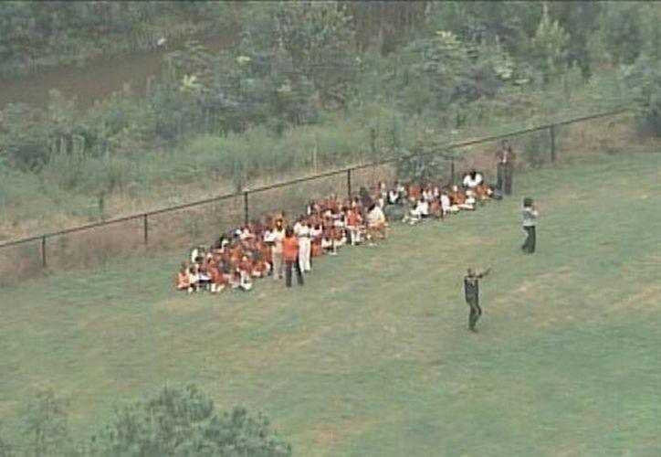 Los niños fueron evacuados de la institución. (Twitter/@FOX5Atlanta)