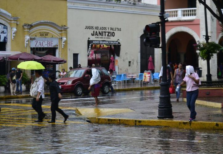 La Conagua pronostica chubascos fuertes con tormentas puntuales muy fuertes en Campeche y Quintana Roo, y puntuales fuertes en Yucatán, de 25 a 50 mm. (SIPSE)