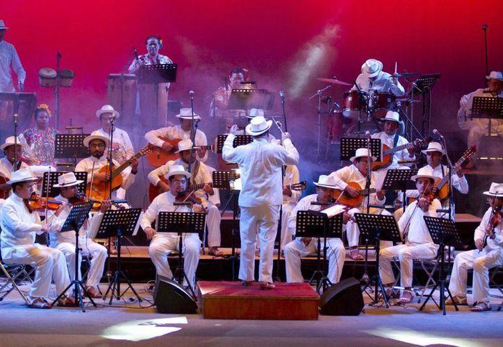 La Orquesta Típica Yukalpetén abrirá este viernes el Festival Primavera Cultural en Izamal. (Archivo Notimex)