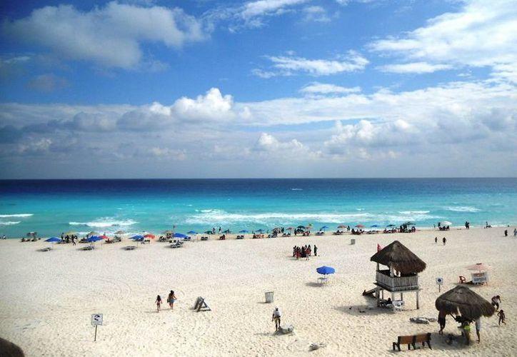 """Playa Delfines cuenta con certificación """"Blue Flag"""". (Foto/mexicodestinos.com)"""