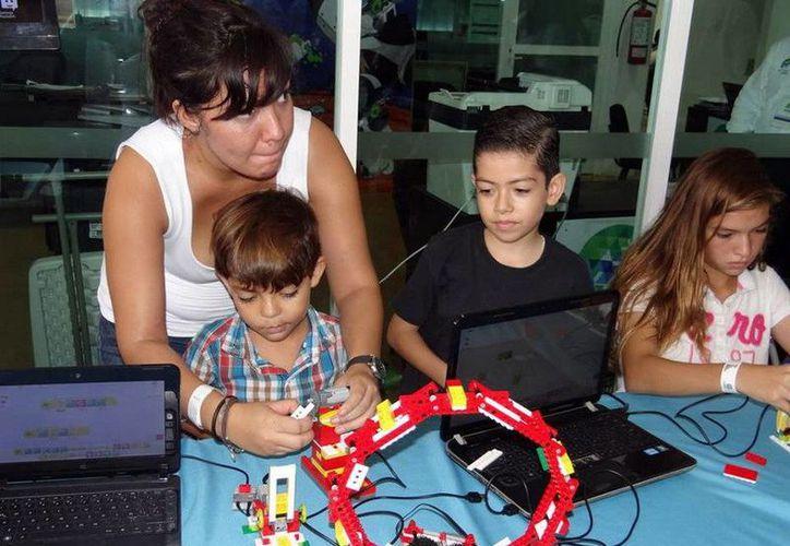Las actividades que se ofrecen en el Planetario Ka' Yok' de Cancún son para el público en general. (Redacción/SIPSE)