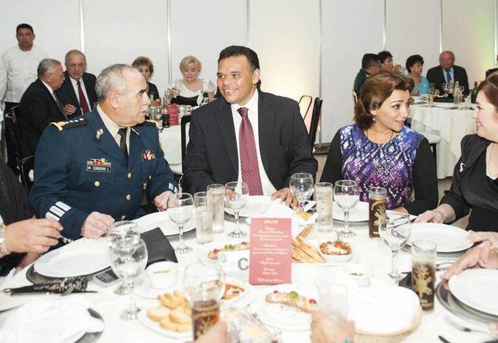 El mandatario fue invitado de honor a la cena. (Cortesía)
