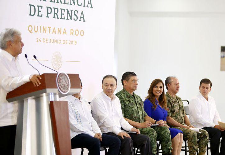 Andrés Manuel López Obrador, aplaudió la coordinación entre los gobiernos para lograr la disminución del 50 por ciento en los índices de homicidios en Q. Roo. (Cortesía)