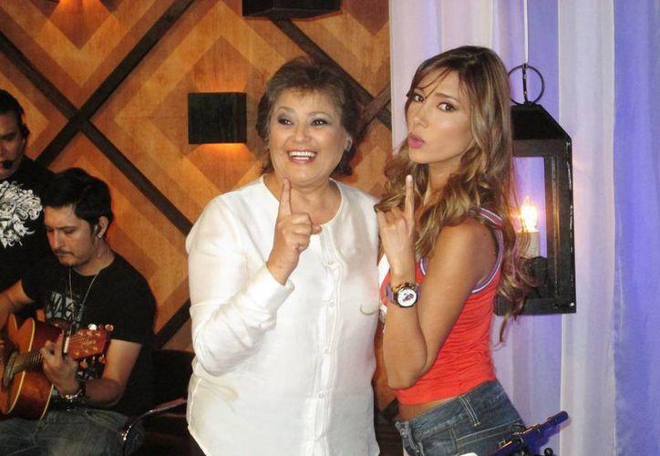 María Medina hizo un dueto con la anfitriona Marilé. (Cortesía)