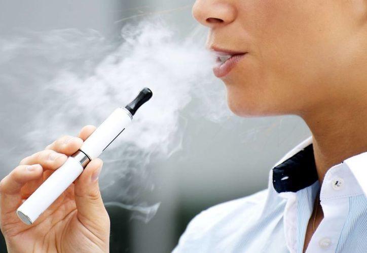 La venta de cigarros electrónicos se había liberado hasta ahora de la supervisión federal en Estados Unidos. (e-cigaretteuk.org.uk)