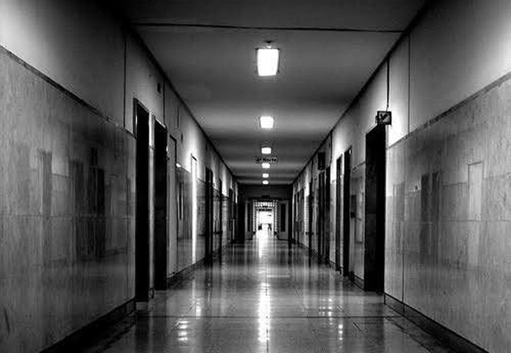 """El hospital """"Agustín O'Horán es uno de esos lugares donde se cuentan por decenas las apariciones paranormales. (Jorge Moreno/Milenio Novedades)"""