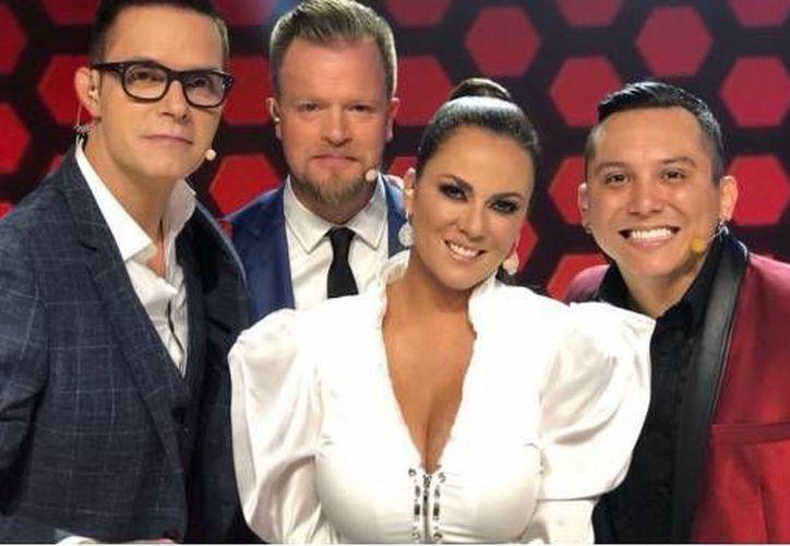 El controvertido conductor defiende su participación en el programa de TV Azteca. (Internet)
