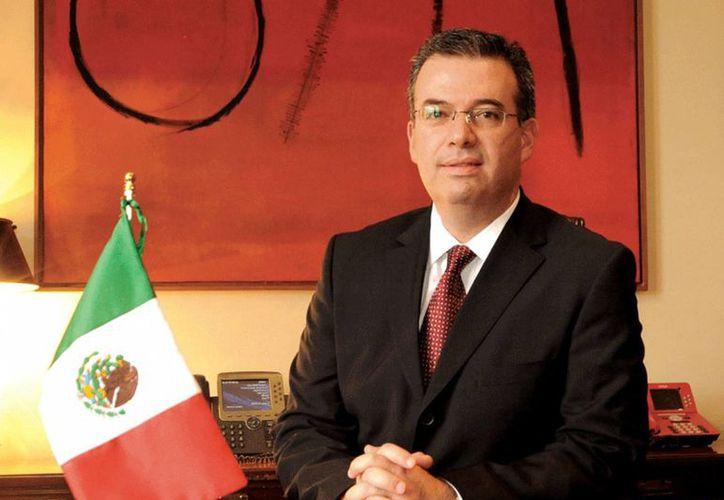 Alejandro Díaz de León asume la titularidad del Banco Nacional de Comercio Exterior por instrucciones del Presidente de la República. (risk.net)