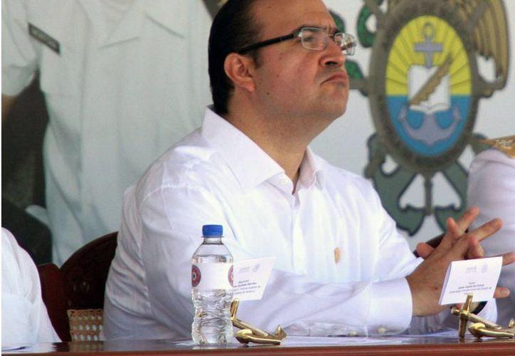 El PRI propone retirar a Javier Duarte, gobernador de Veracruz, sus derechos como militante por las acusaciones de corrupción en su contra. (Notimex/archivo)