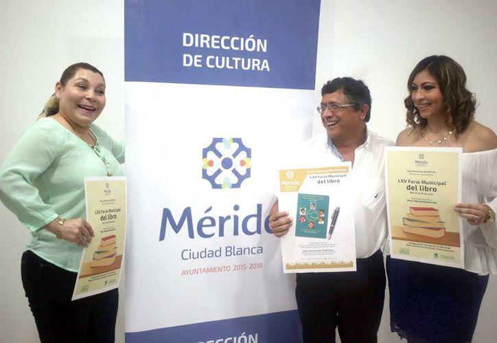 Imagen de la presentación del la LXV Feria Municipal del Libro 2016 que se realizará del próximo viernes hasta el domingo 24 de julio. (Milenio Novedades)
