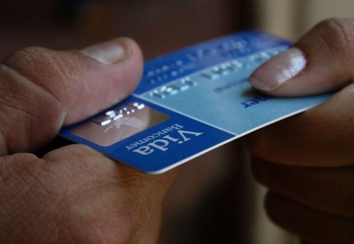 deberán pagar con cheque nominativo, transferencia electrónica o tarjetas de débito o crédito. (express.com)