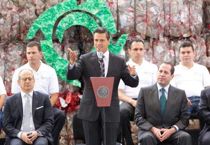 Peña Nieto afirmó que los empresarios están viendo en México un destino confiable para invertir. (Presidencia)