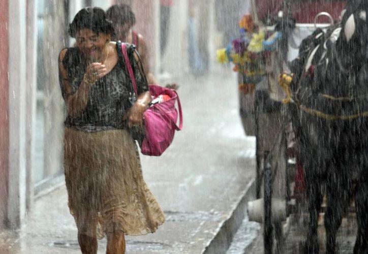 El domingo se registraron algunos chubascos en diversas partes de Mérida. (Milenio Novedades)