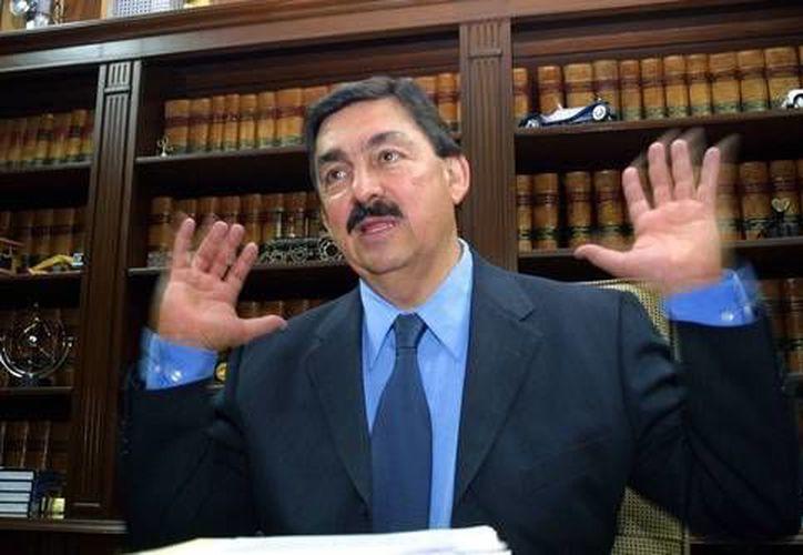 Napoleón Gómez Urrutia ya no enfrenta cargos penales, pero permanece en Canadá a la espera de regresar a México tras ser reelecto por el gremio minero. (lajornadamichoacan.com.mx/Foto de archivo)
