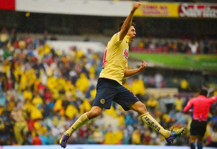 Oribe Peralta por fin explotó en un grito de gol, tras varias jornadas con la pólvora seca. América derrotó 2-0 a Monterrey en  Liga MX. (jammedia.com.mx)