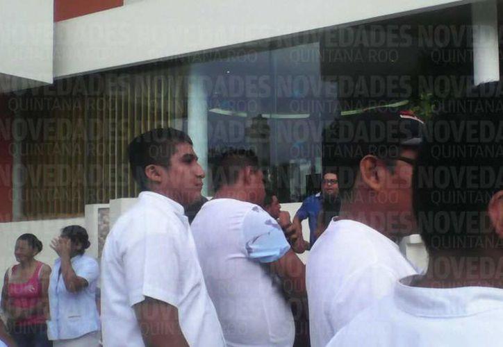 Empleados de un hotel de Isla Mujeres se manifiestan contra el gerente general por actos de discriminación. (Redacción/SIPSE).