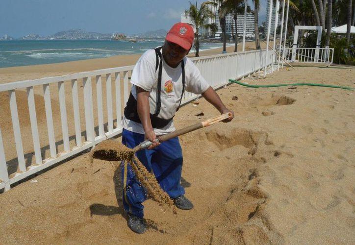 Más de 530 viviendas han resultado afectadas por el fenómeno en la costa de Guerrero. (Notimex)