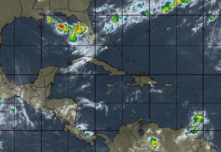 En Cancún se pronostica cielo parcialmente nublado con vientos de entre 10 a 15 kilómetros. (Intellicast)