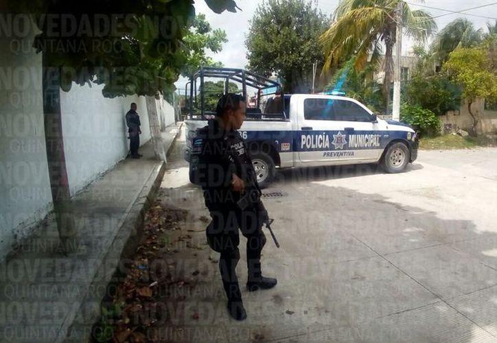 Las autoridades municipales acordonaron la zona. (Eric Galindo/ SIPSE)