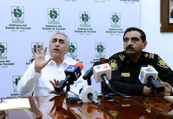 Carlos Pasos Novelo, titular de la Agencia Tributaria y Luis Felipe Saidén secretario de seguridad publica. (SIPSE)