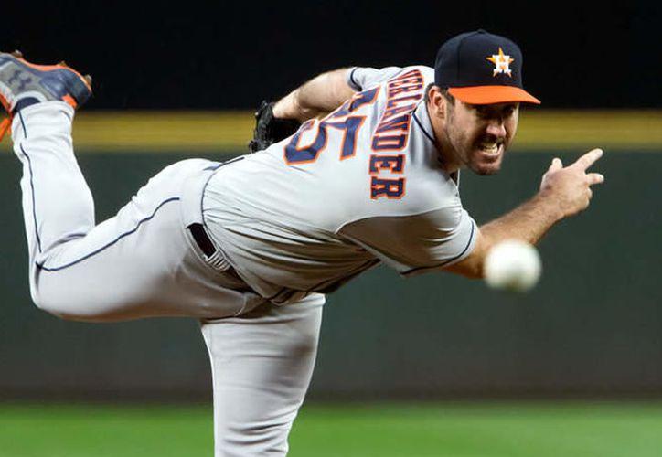 Verlander solamente aceptó una carrera y abanicó a siete bateadores rivales en el juego. (Getty Images).