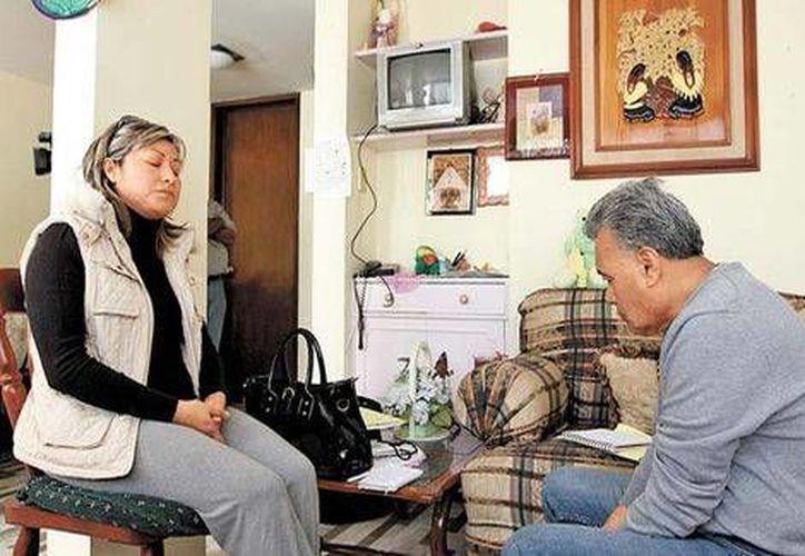 María Teresa Méndez y su hermano Juan piden el apoyo de las autoridades para resolver el asesinato de su madre. (Mónica González/Milenio)