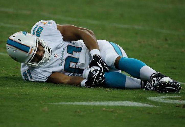 Hay golpes a las rodillas que pueden dejar lesiones severas en los jugadores de futbol. (Agencias)