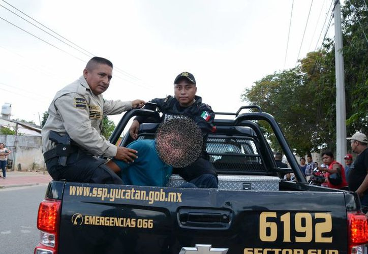 Un hombre fue detenido como posible responsable del robo de un auto en Mérida. (Fotos: SIPSE)