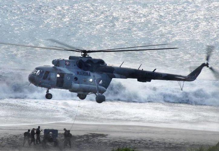 Elementos de la Marina fueron atacados por delincuentes en Nuevo Laredo. Imagen de contexto de marinos durante ejercicios de maniobras y operaciones tácticas. (Facebook de la Secretaría de Marina)