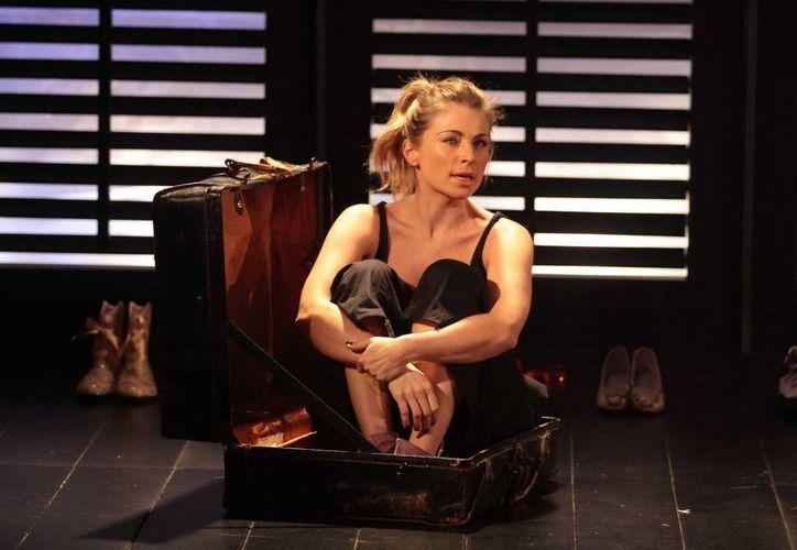 Ludwika Paleta y Osvaldo Benavides protagonizan la obra 'Duele', en el Teatro Ignacio López Tarso. (Notimex/archivo)