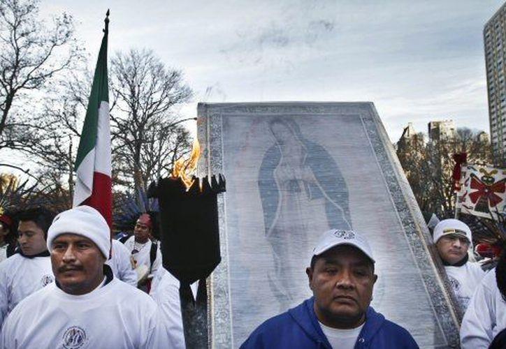 Los mexicanos en EU esperan que Barack Obama logre una reforma migratoria en 2013. (Agencias)